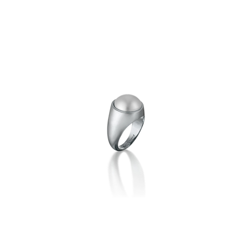 pinky swear_white gold_white pearl